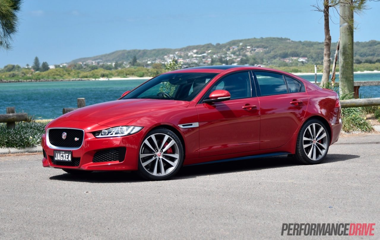 2016 jaguar xe s review video performancedrive. Black Bedroom Furniture Sets. Home Design Ideas
