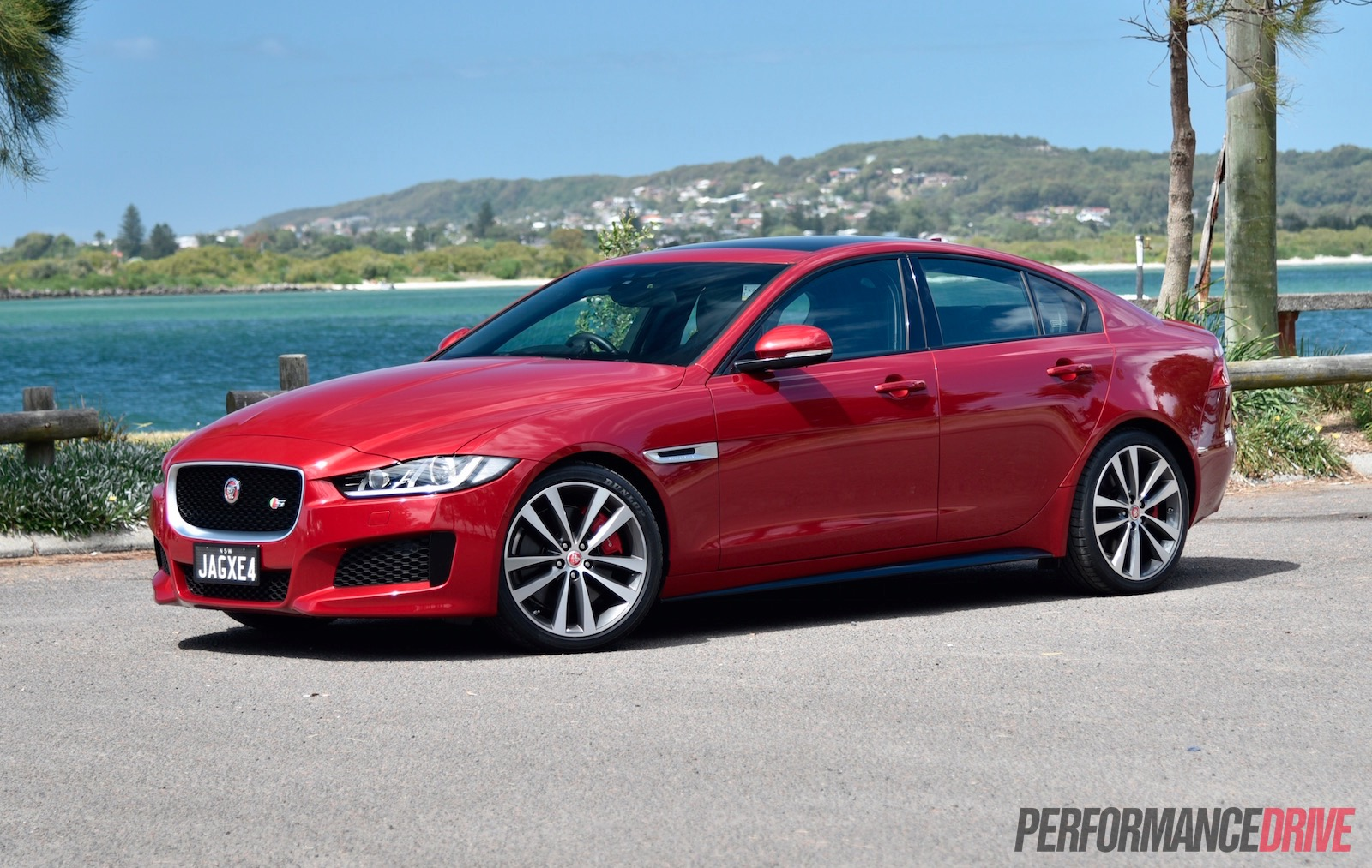 2016 Jaguar XE S review (video) | PerformanceDrive