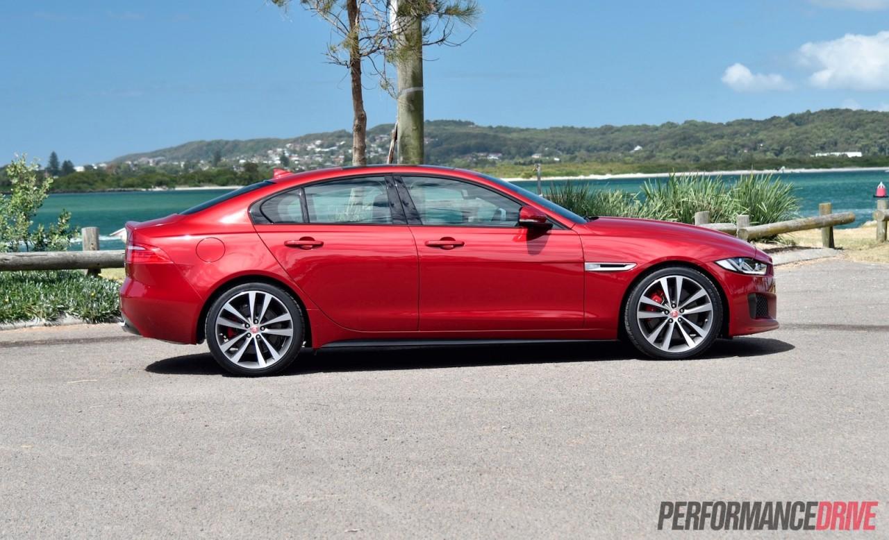 2016 Jaguar XE S review (video)   PerformanceDrive