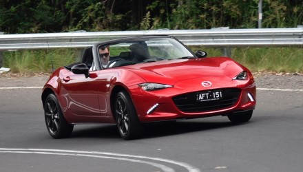 2016 Mazda MX-5 2.0L review (video)