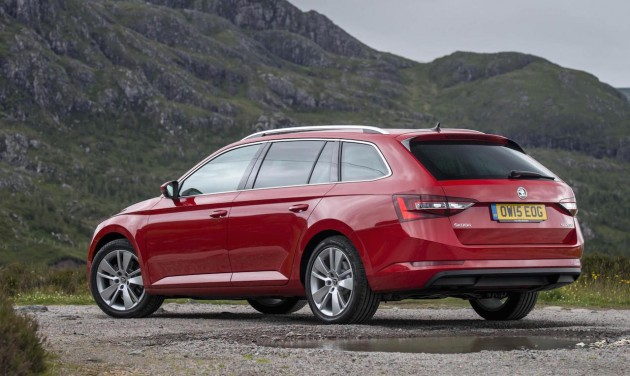 2016 Skoda Superb wagon-rear