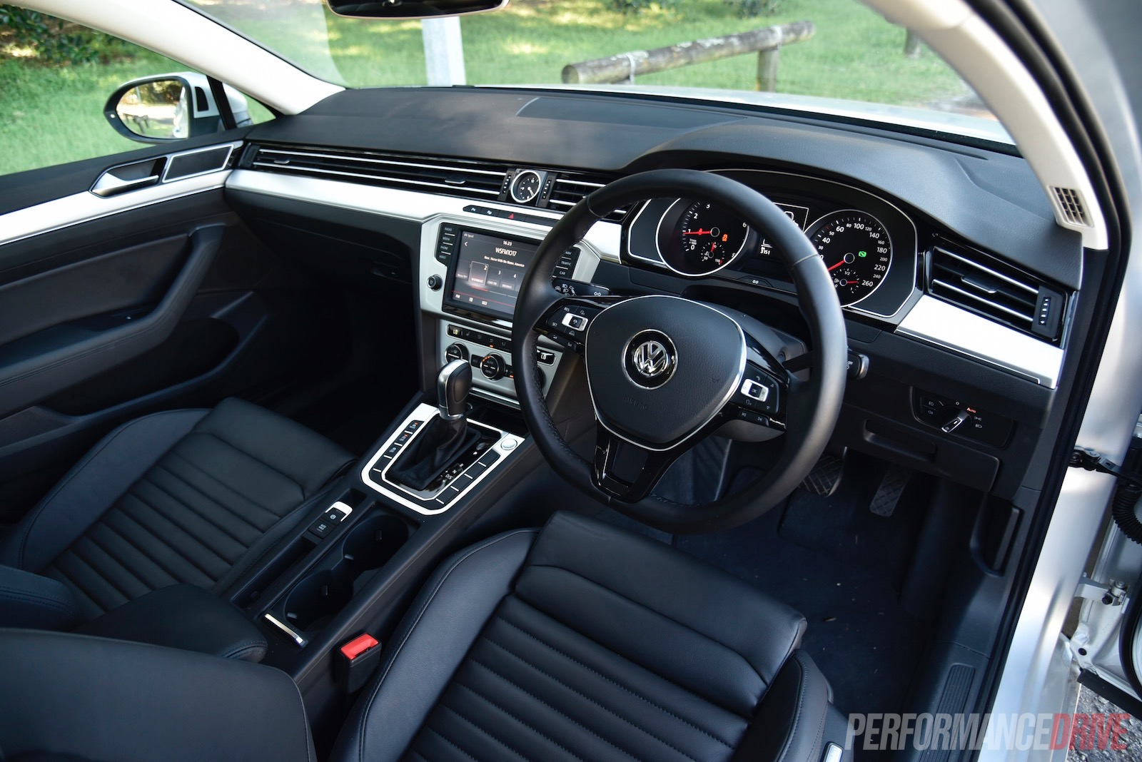 2016 volkswagen passat 132tsi review video performancedrive. Black Bedroom Furniture Sets. Home Design Ideas