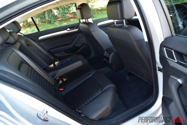 2016 Volkswagen Passat 132TSI Comfortline-rear seats