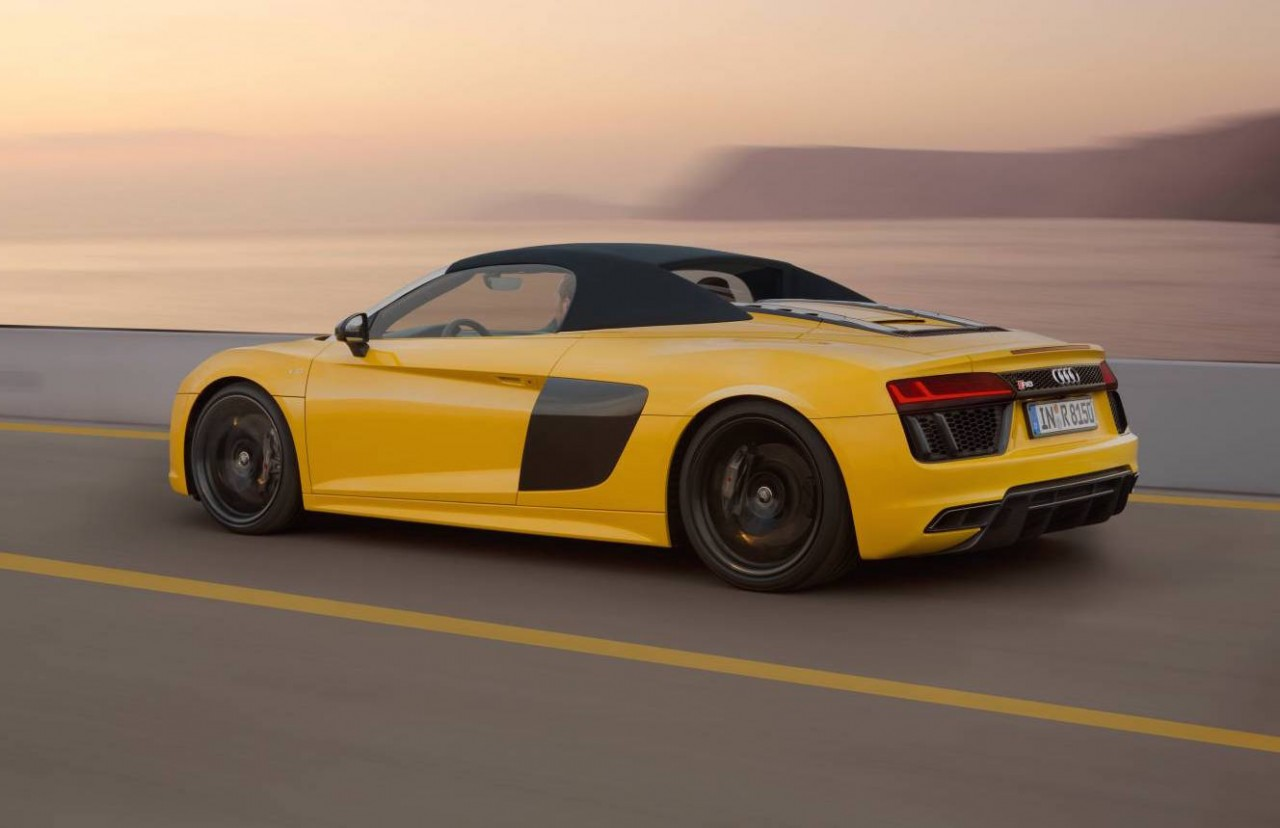 2017 audi r8 spyder is lighter more powerful more efficient performancedrive. Black Bedroom Furniture Sets. Home Design Ideas