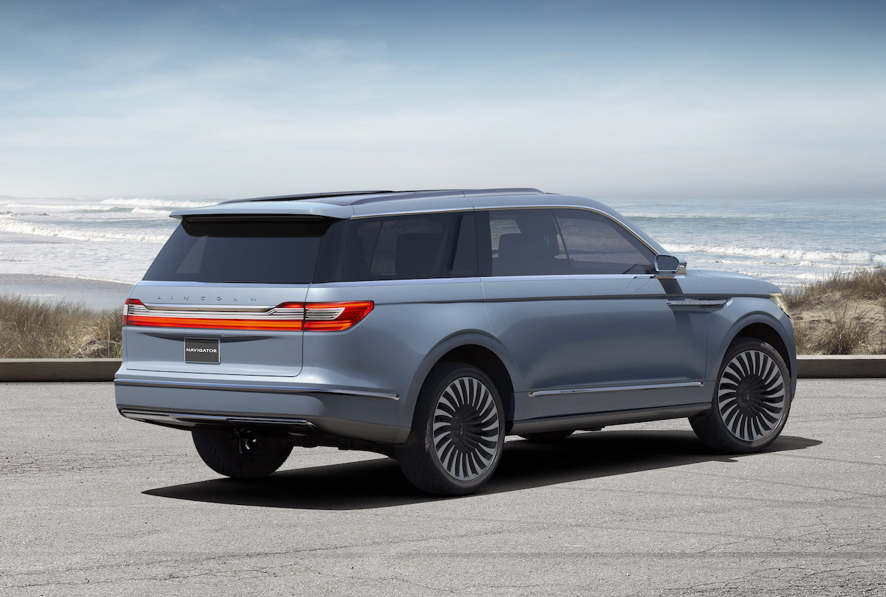 lincoln navigator concept aims to be the suv of all suvs. Black Bedroom Furniture Sets. Home Design Ideas