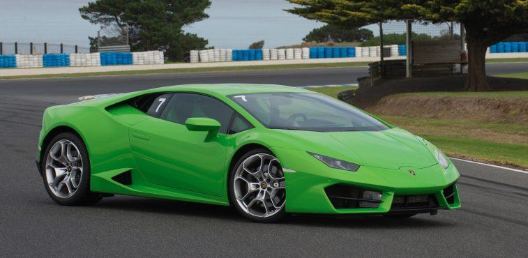 2016 Lamborghini Huracan LP 580-2 green