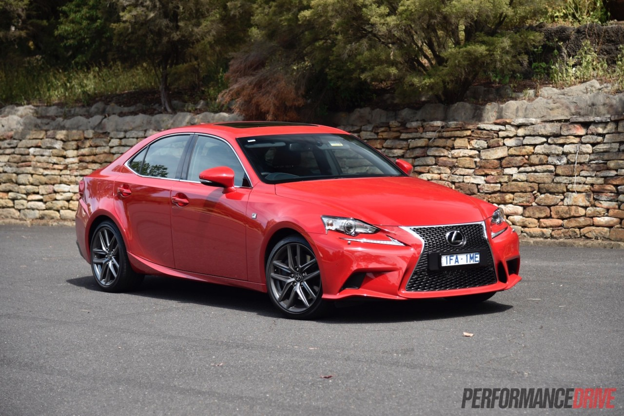 2016 lexus is 200t f sport review video performancedrive. Black Bedroom Furniture Sets. Home Design Ideas