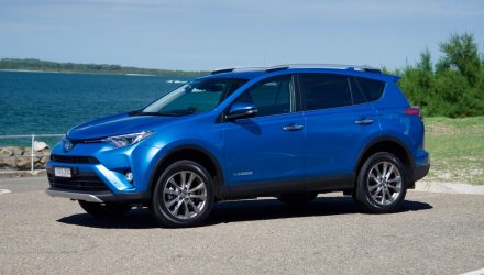 2016 Toyota RAV4 Cruiser diesel review: quick test (video)