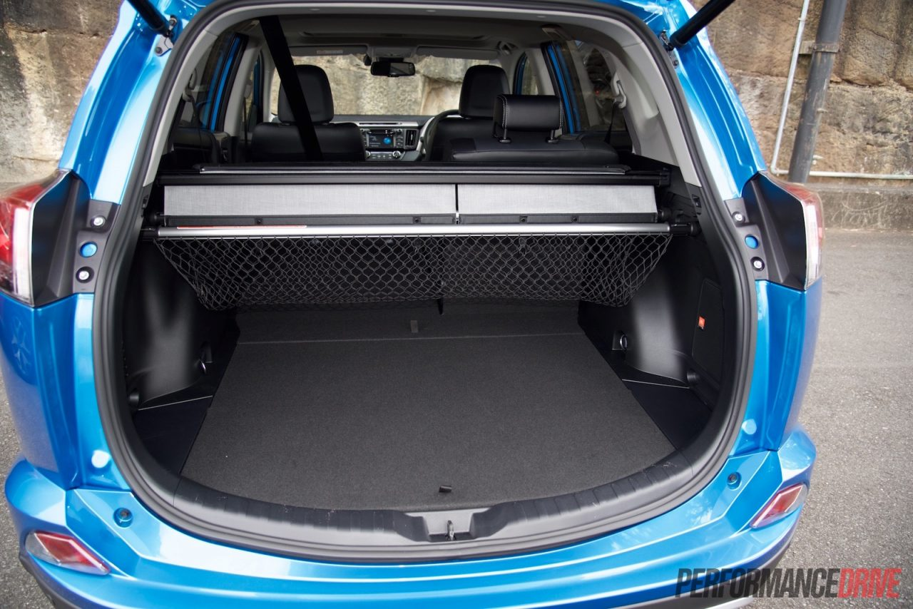 2016 toyota rav4 cruiser diesel review quick test video. Black Bedroom Furniture Sets. Home Design Ideas
