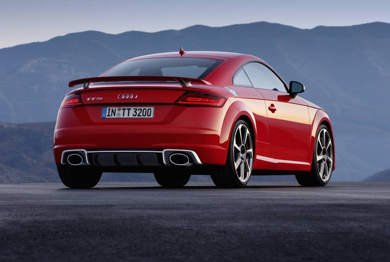 2017 audi tt rs revealed most powerful ever with new 2 5t. Black Bedroom Furniture Sets. Home Design Ideas
