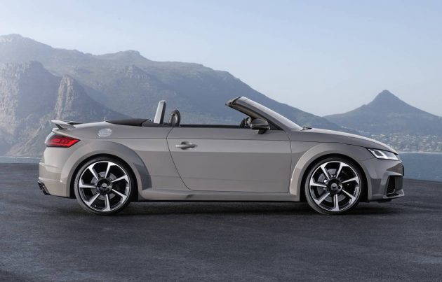 2017 Audi TT RS roadster-side