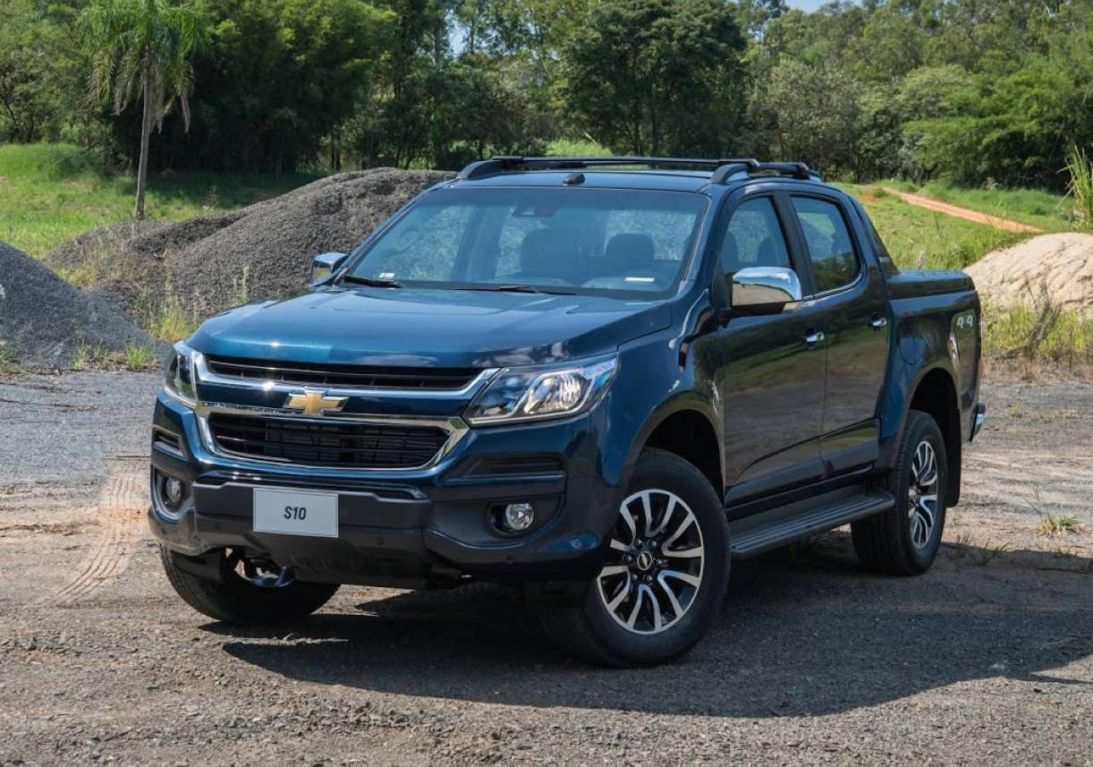 holden confirms new look 2017 colorado chevrolet version revealed performancedrive. Black Bedroom Furniture Sets. Home Design Ideas