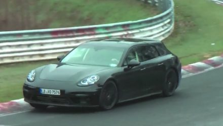 2017 Porsche Panamera 'sport turismo' wagon spotted (video)