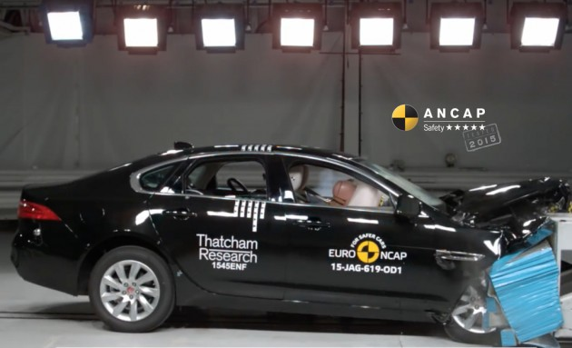 Jaguar XF crash test