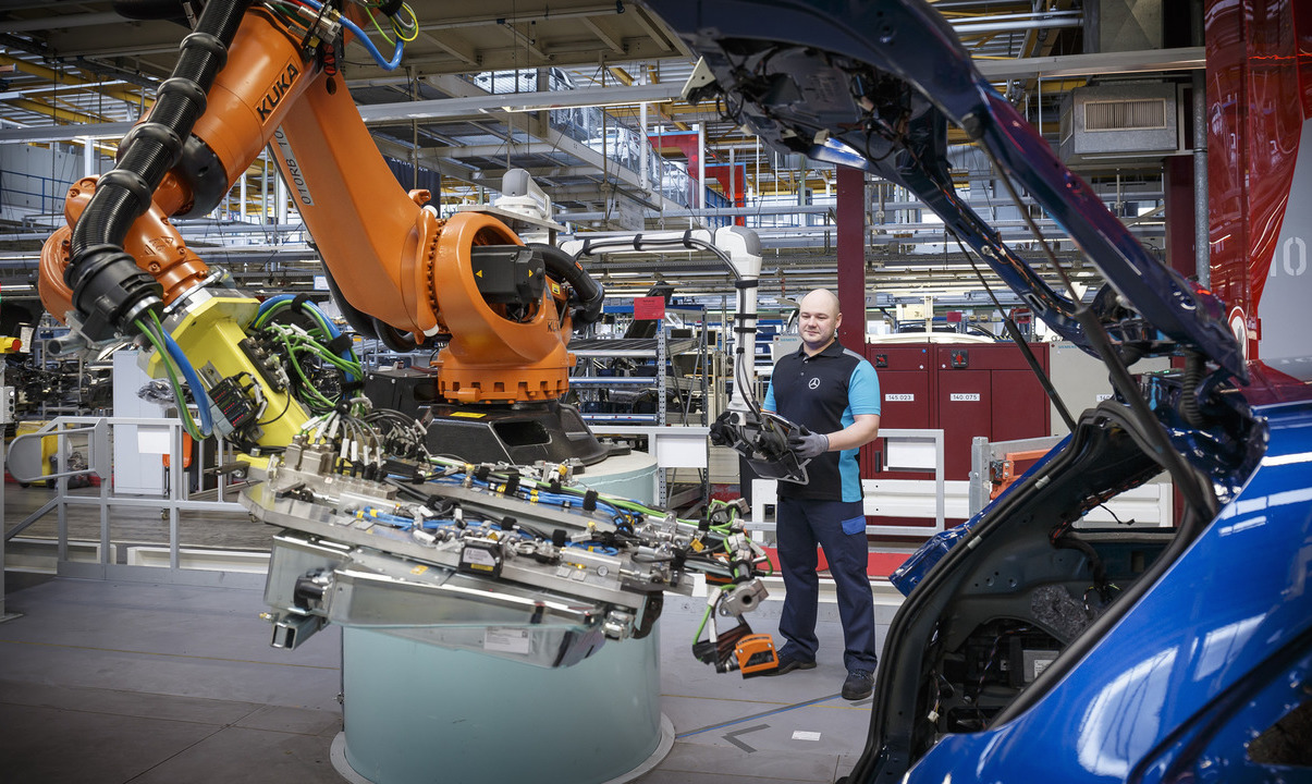 Mercedes Employs 200 Staff At Bremen Factory Takes On Glc Coupe Production Performancedrive
