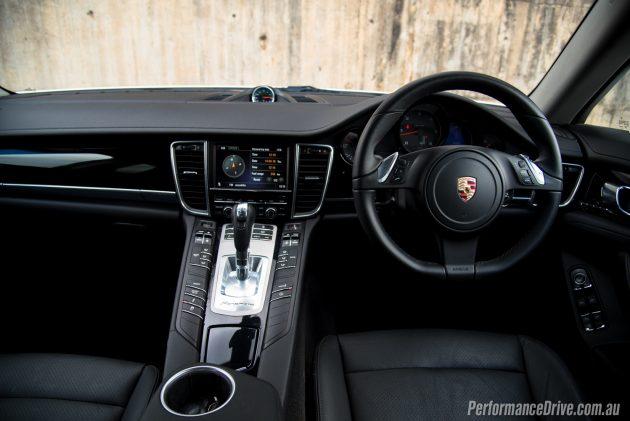Porsche Panamera Diesel-dash