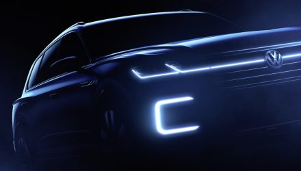Volkswagen plans SUV concept for Beijing, previews next Touareg?