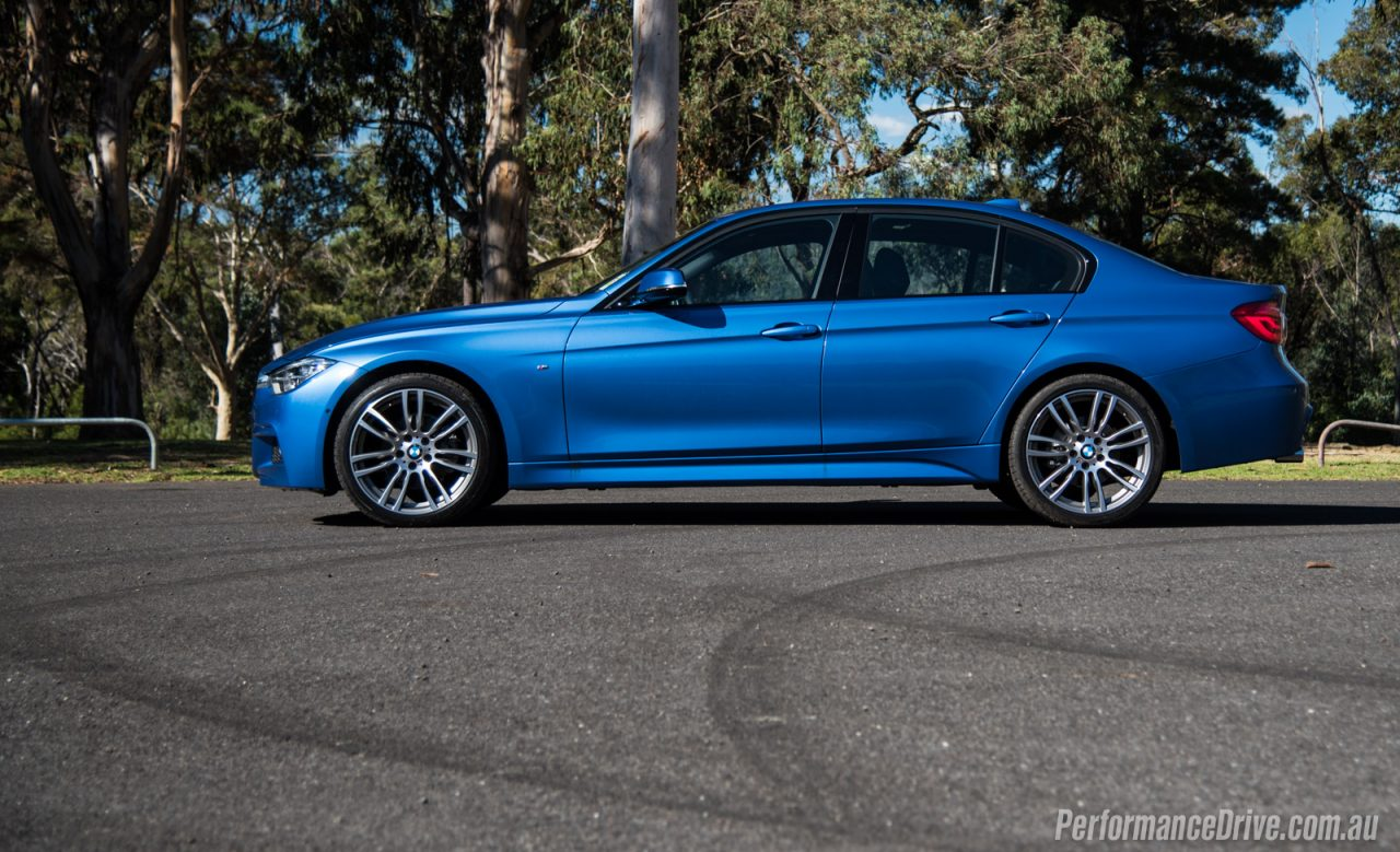 BMW I M Sport Review Video PerformanceDrive - Bmw 320i features