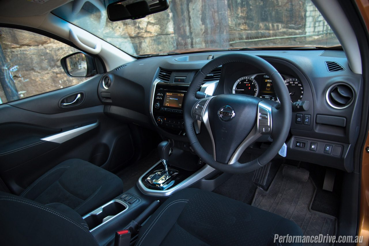 Nissan Navara 2016 Interior | AutoCarWall