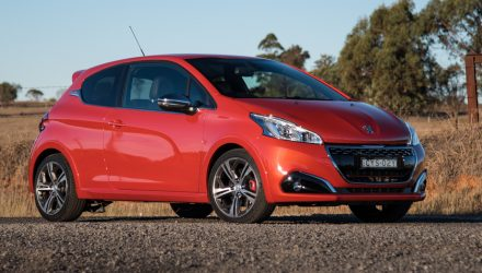 2016 Peugeot 208 GTI review (video)