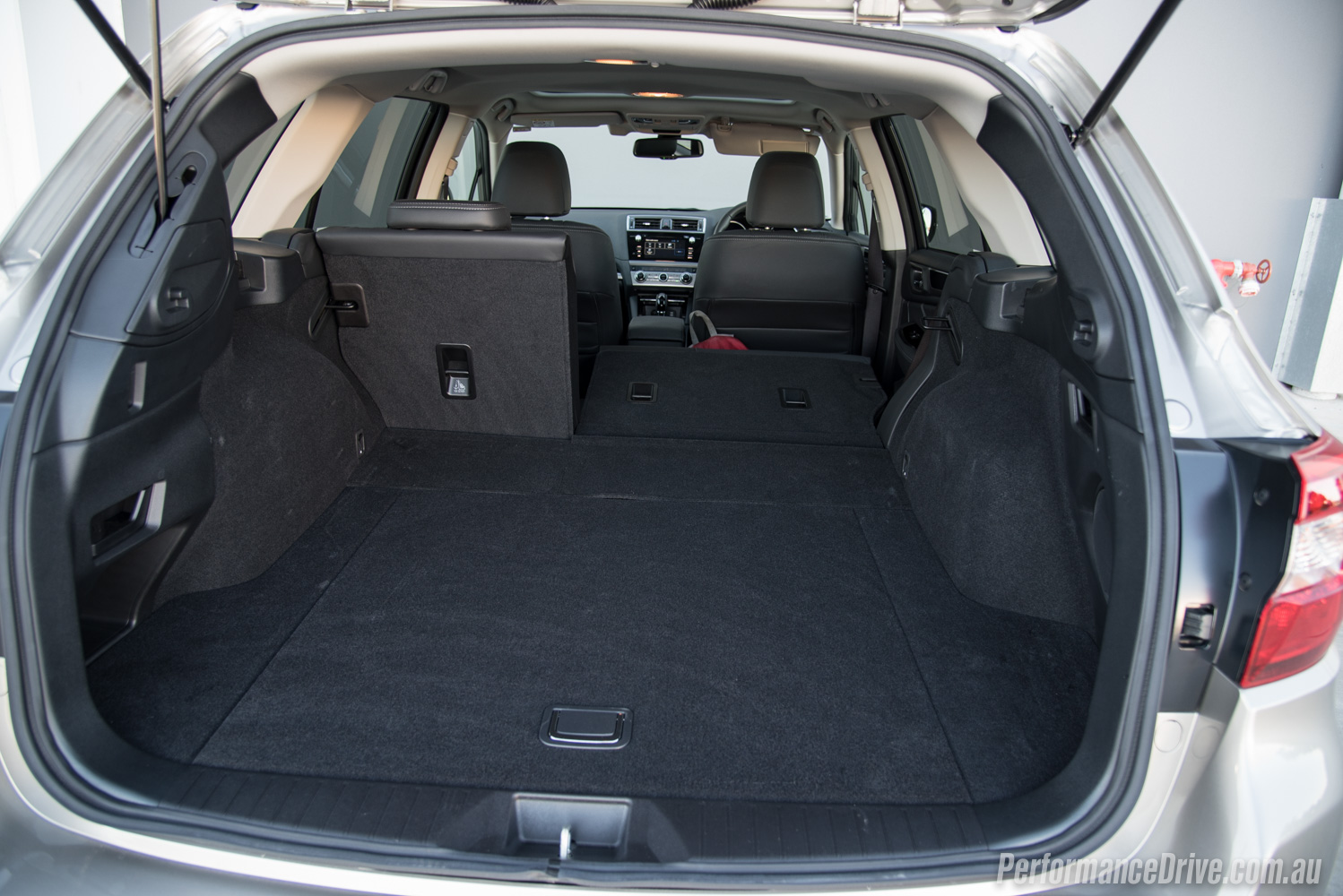2016 subaru outback 3 6r cargo space. Black Bedroom Furniture Sets. Home Design Ideas