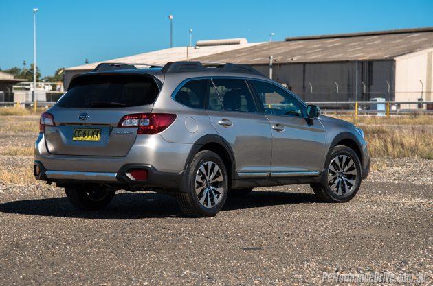 2016 Subaru Outback 3.6R-rear