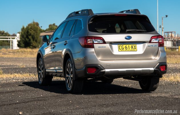 2016 Subaru Outback 3.6R-taillights