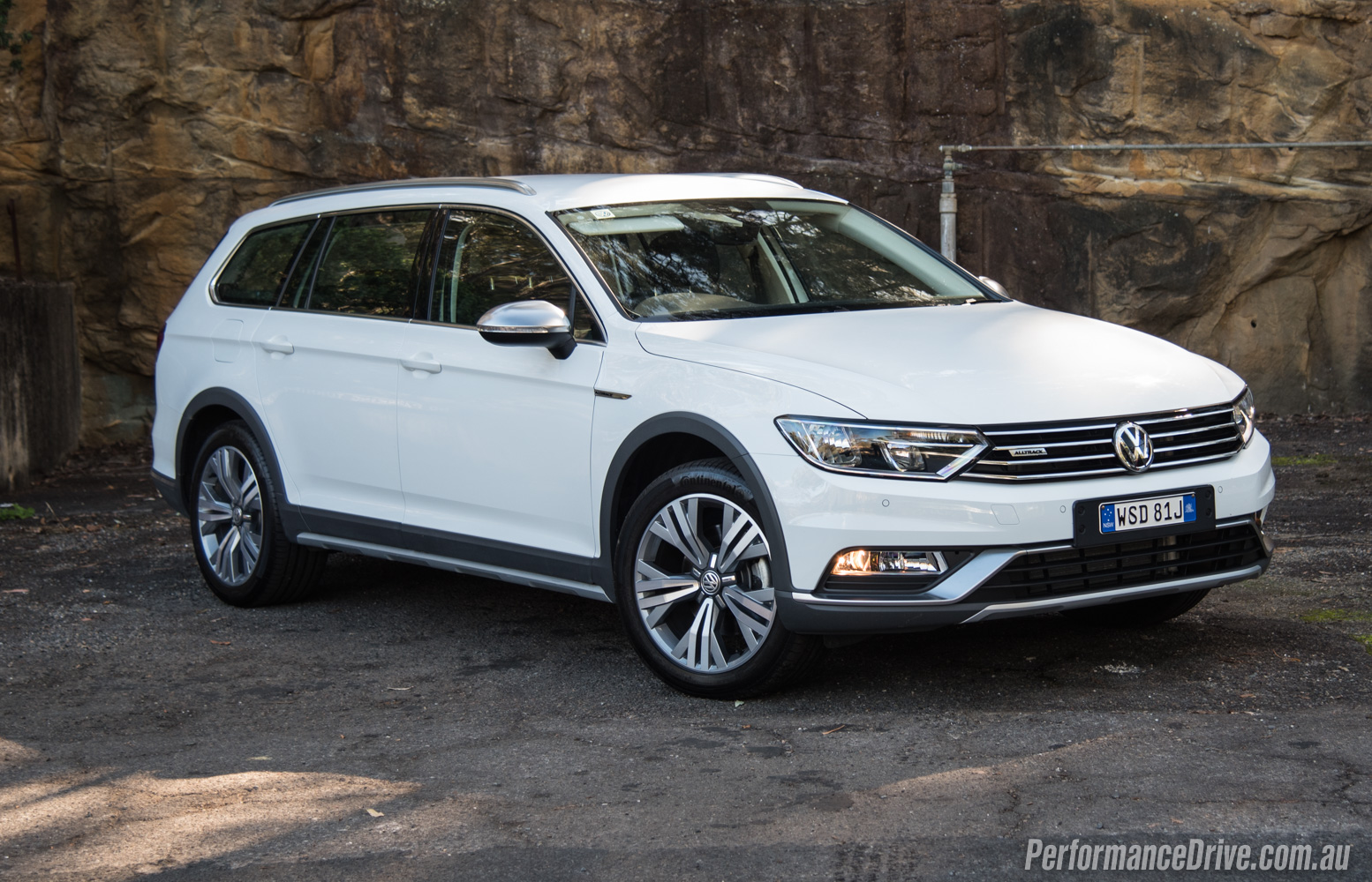 2016 Volkswagen Passat Alltrack review (video) | PerformanceDrive