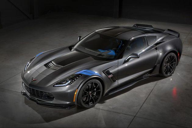 2017-Chevrolet-Corvette-Grand-Sport-