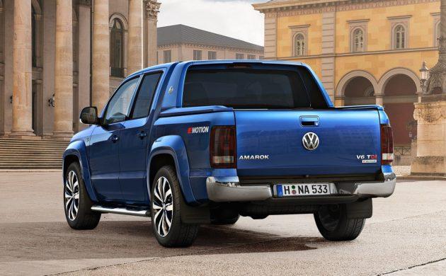 2017 Volkswagen Amarok V6 TDI-rear