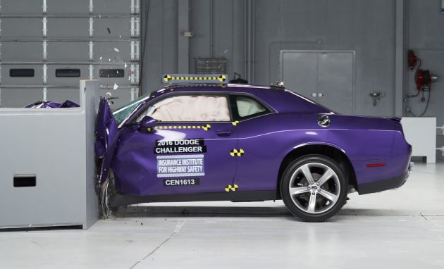 Dodge Challenger crash test