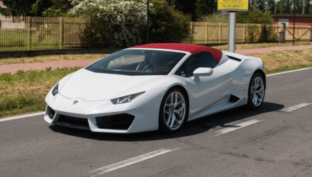 Is this a Lamborghini Huracan 'LP 580-2 Spyder' prototype?