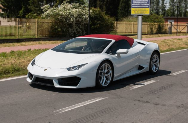is this a lamborghini huracan 39 lp 580 2 spyder 39 prototype performa. Black Bedroom Furniture Sets. Home Design Ideas