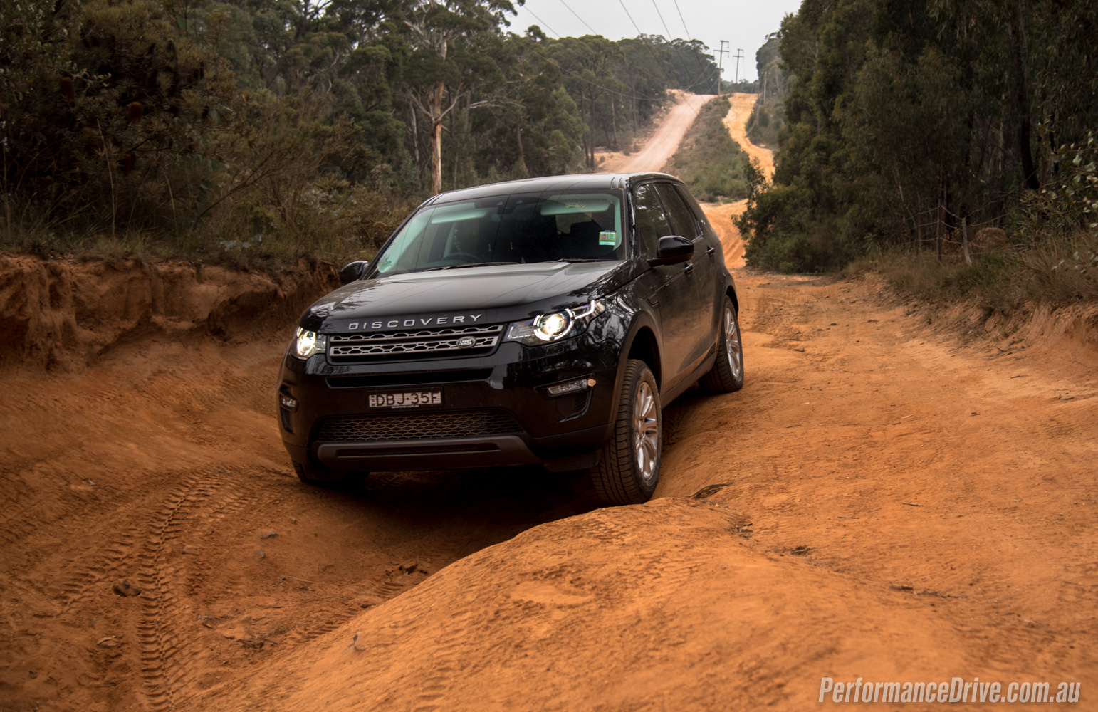 land rover discovery sport td4 se review video. Black Bedroom Furniture Sets. Home Design Ideas