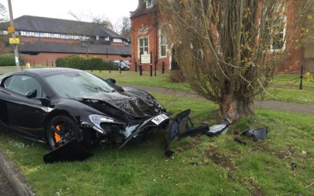 McLaren 650S Spider crash
