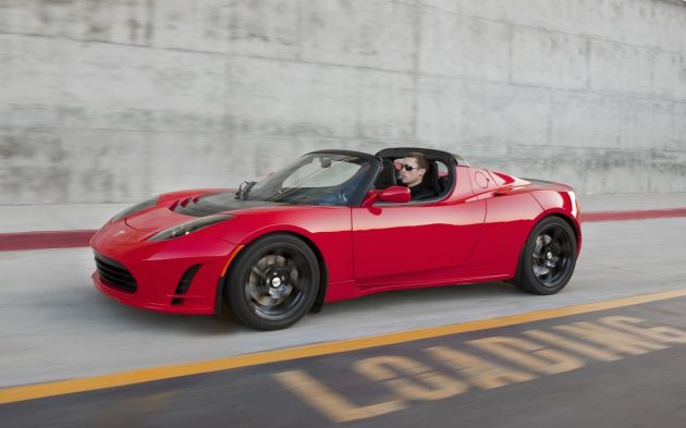 new tesla roadster on the way could be fastest tesla yet performancedrive. Black Bedroom Furniture Sets. Home Design Ideas