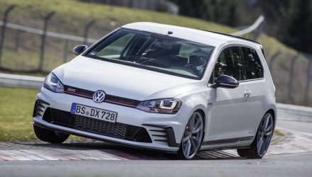 Volkswagen Golf GTI Clubsport S breaks Nurburgring FWD record (video)