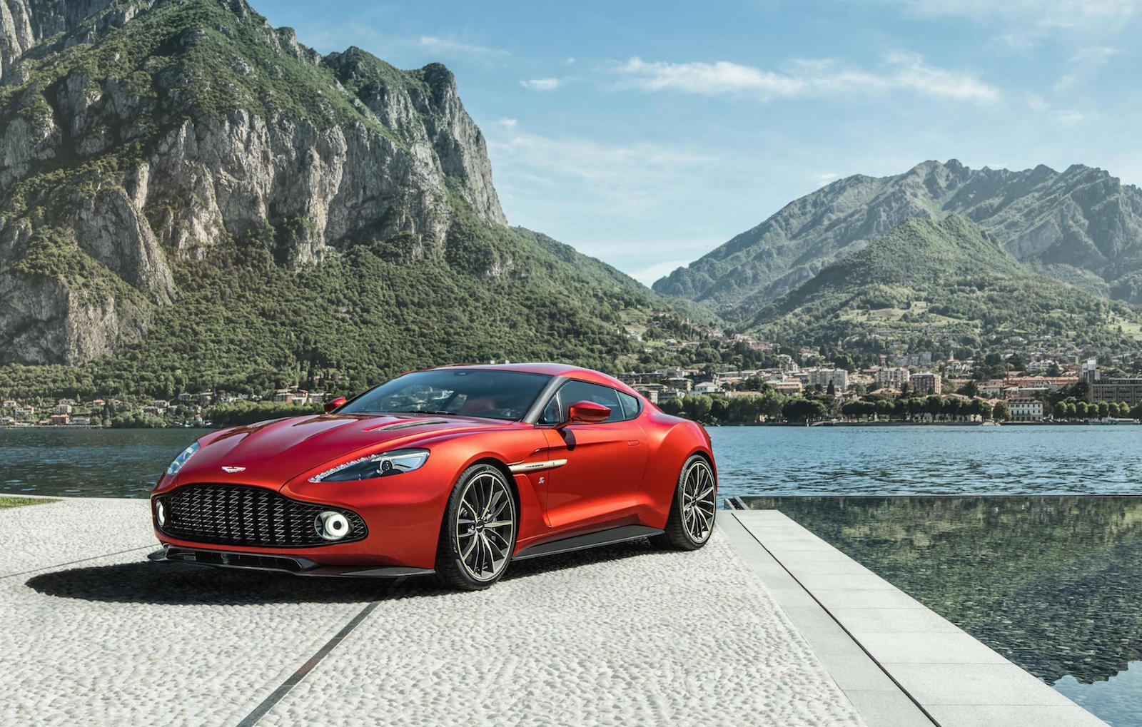 aston martin vanquish zagato production car revealed performancedrive. Black Bedroom Furniture Sets. Home Design Ideas