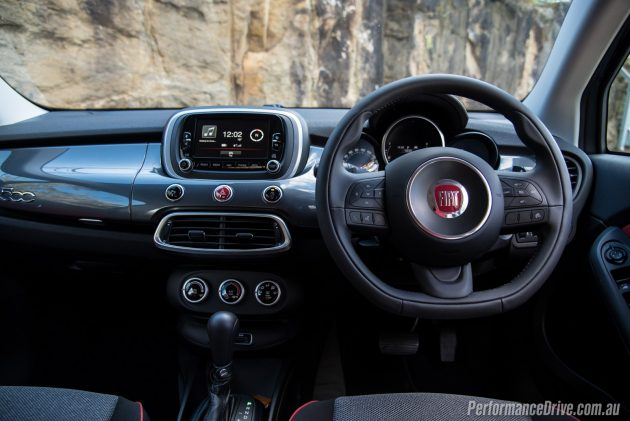 2016 Fiat 500X Pop Star-dash