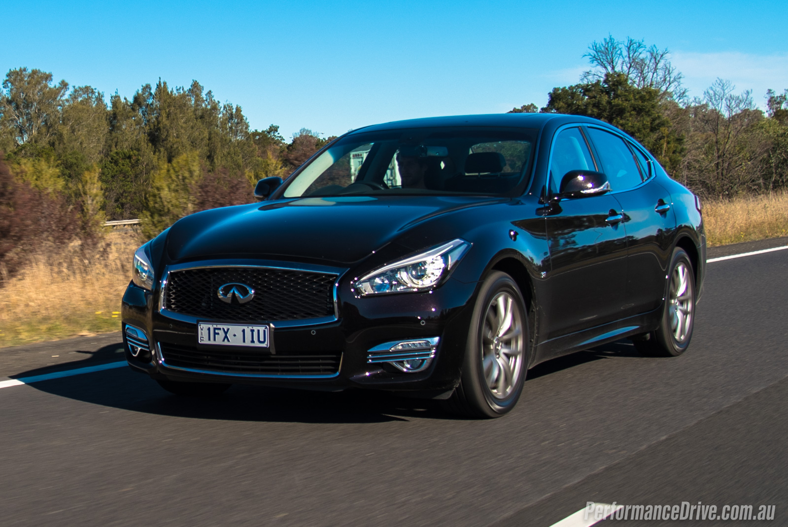 2016 infiniti q70 gt 3 7 review video performancedrive. Black Bedroom Furniture Sets. Home Design Ideas