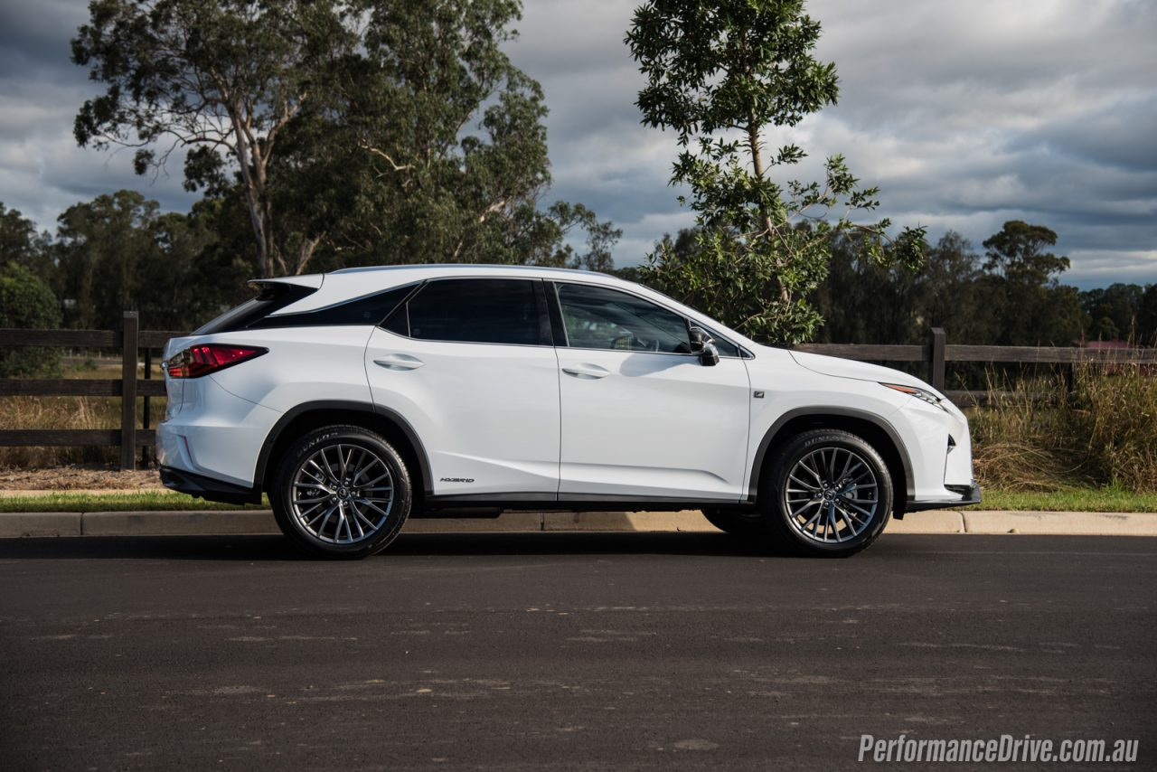 2016 lexus rx 450h f sport review video performancedrive. Black Bedroom Furniture Sets. Home Design Ideas