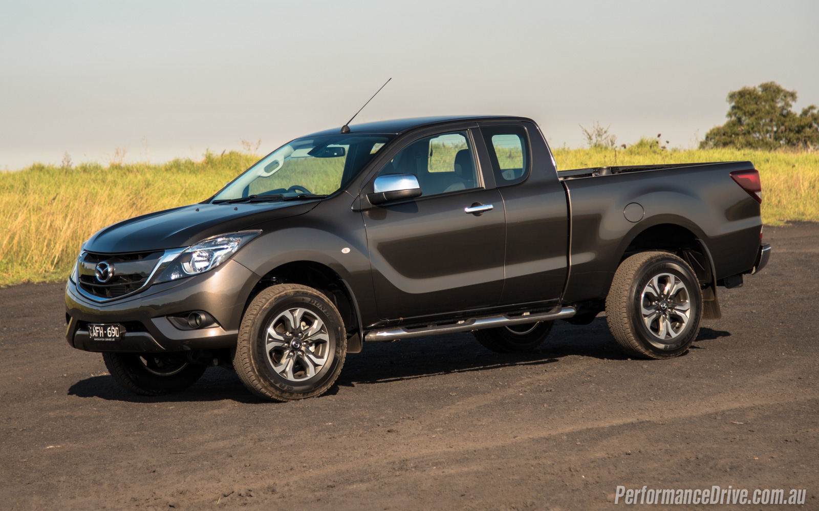 2016 Mazda BT-50 XTR Freestyle review (video ...