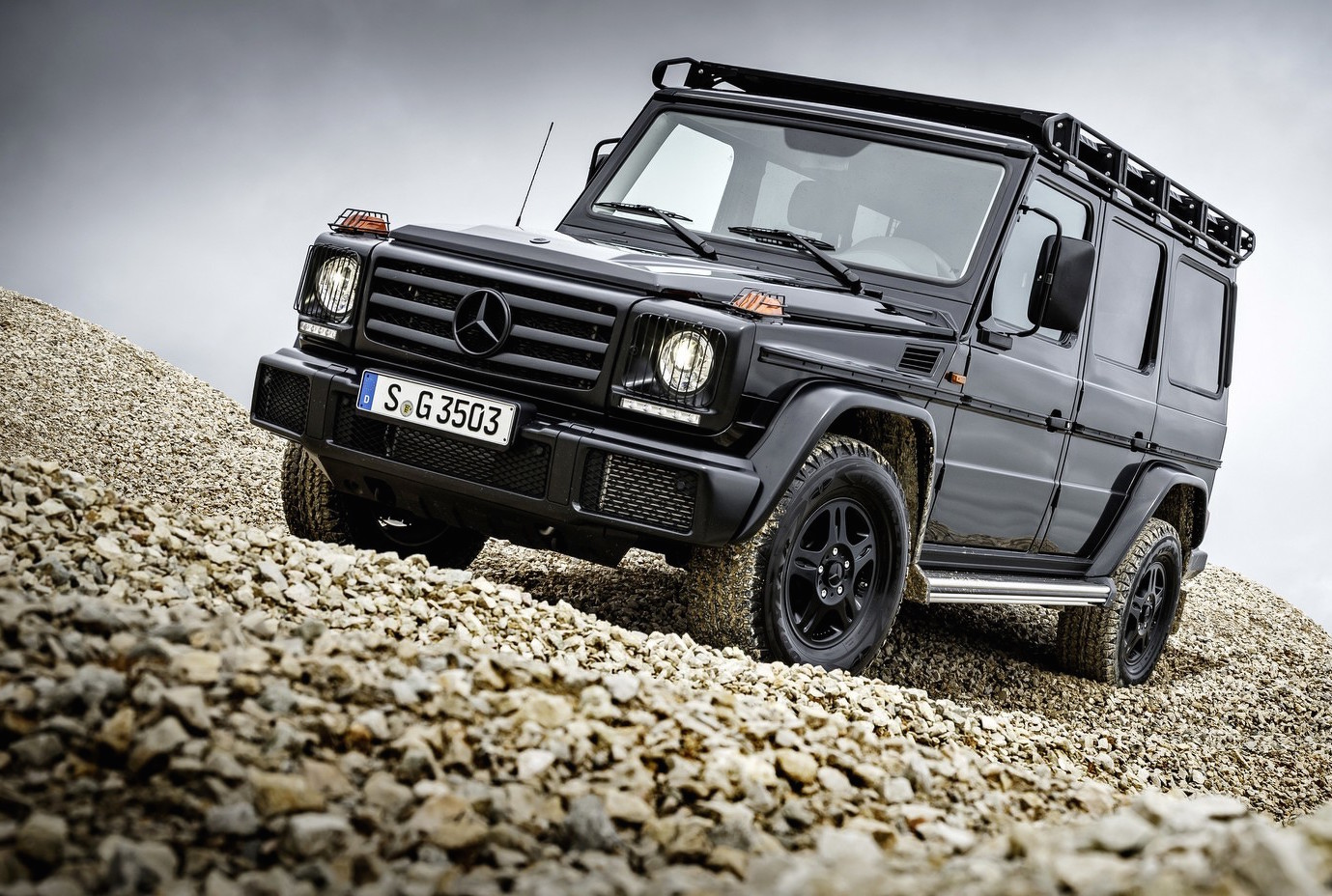 2016 mercedes benz g 350 d professional announced as more serious off roader performancedrive. Black Bedroom Furniture Sets. Home Design Ideas