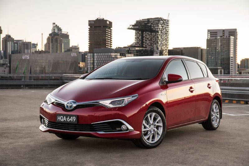 2016 toyota corolla hybrid now on sale in australia from 26 990 performancedrive. Black Bedroom Furniture Sets. Home Design Ideas