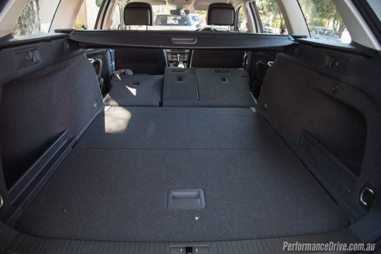 2016-Volkswagen-Passat-Alltrack-cargo-space