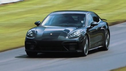 2017 Porsche Panamera Turbo previewed at Goodwood hill climb (video)