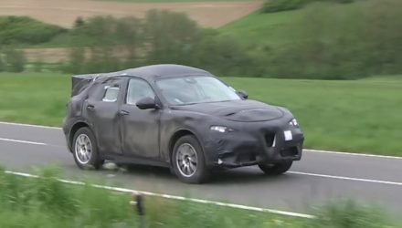 Video: Alfa Romeo Stelvio SUV prototype spotted in Germany