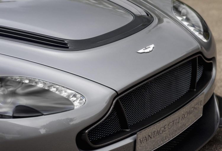 Aston Martin GT12-badge