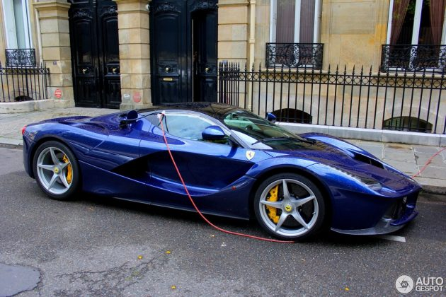 LaFerrari charging on Paris street
