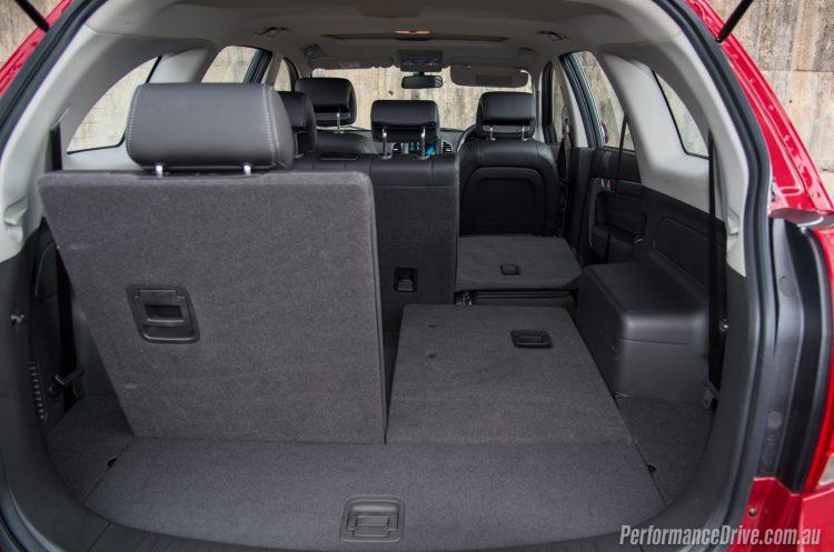 2016 Holden Captiva LT-folded seats